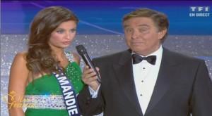 Malika Ménard, Miss France 2010 au micro de Jean-Pierre Foucault - © Déc. 2009 - TF1